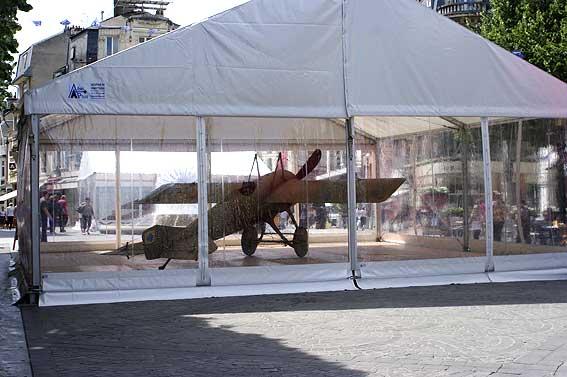 exposition d'appareils anciens Place d'Erlon
