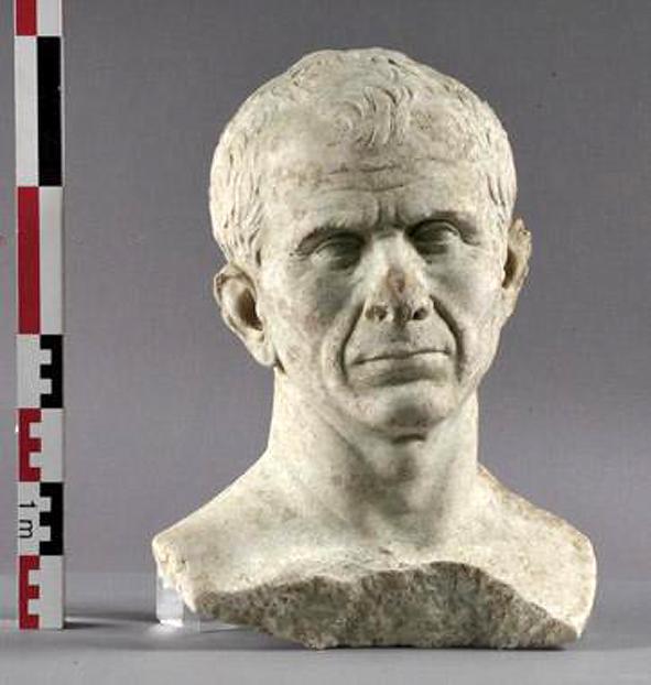 buste de César découvert à Arles