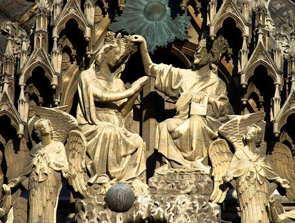 Couronnement de Marie à Reims