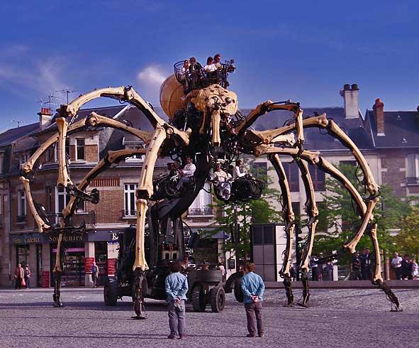 Kumo l'araignée machine