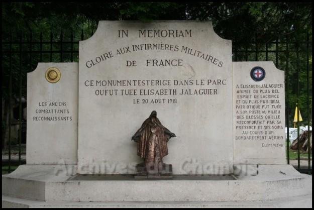 Monument aux infirmières de Pierrefonds