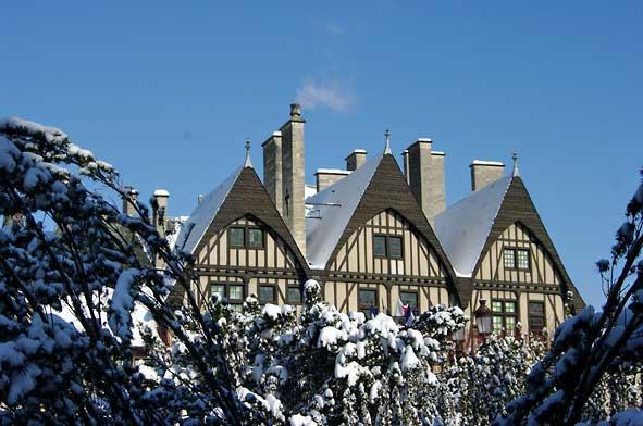 Hôtel Le Vergeur à Reims sous la neige