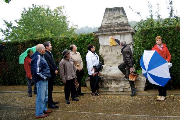 pose d'une plaque en mémoire du Dr Brocard à Vailly-sur-Aisne