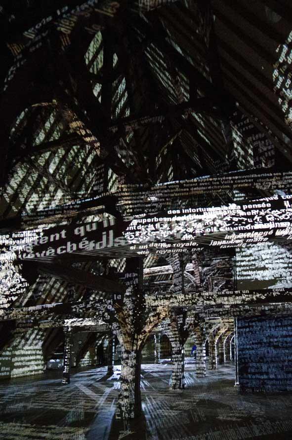 """Deux vues captées de """"Axis Mundi"""" par Charles Sanderson"""