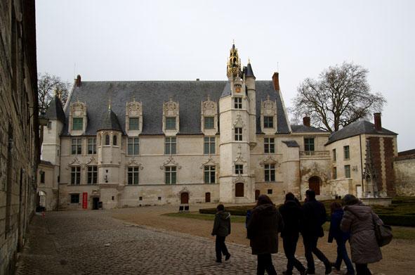 façade du palais épiscopal qui fut aussi palais de justice