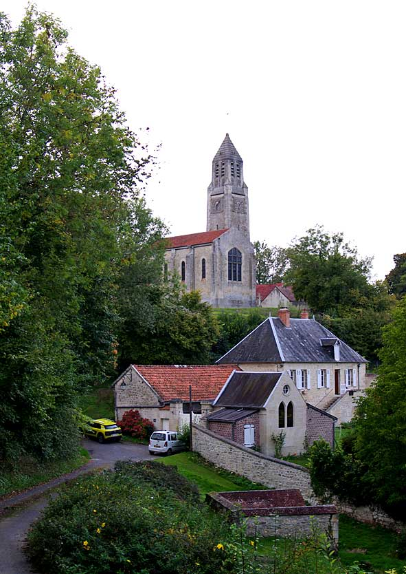 église Saint-Hilaire de Montbavin en position dominante